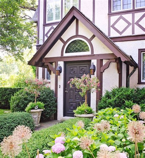 Gorgeous Garden Historic Home by Gorgeous Garden At A Historic Home Exquisite Exteriors
