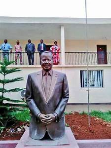 Statue of President Paul Biya erected in Yaounde as CPDM ...