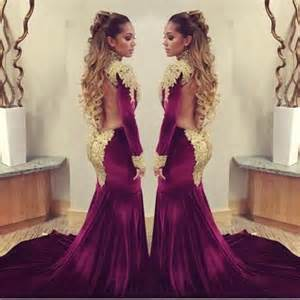 Image of: Burgundy Gold Wedding Dress Guide To Decorate A Wedding With Indian Wedding Decorations