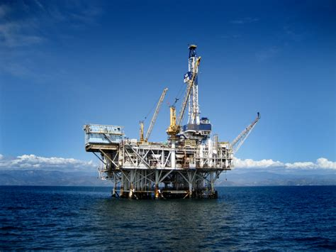 Image: Offshore Oil Rig, size: 800 x 600, type: gif
