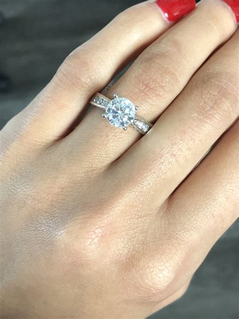 miranda lambert solitaire diamond engagement ring