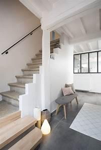 petit coin avec banc et lampes a cote de l39escalier dans With quelle couleur pour un couloir 1 renovation dun appartement