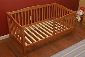 Mike's Cherry Toddler Bed - The Wood Whisperer