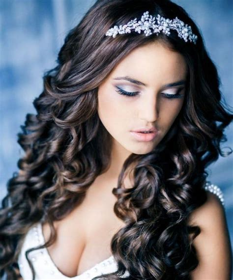 Quinceanera Hairstyles With Curls by Hairstyles Quinceanera With Curls To The Side Pictures