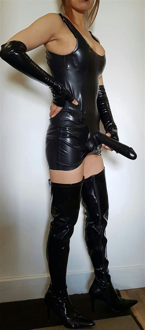 Oriental Lily Chinese Dominatrix In London
