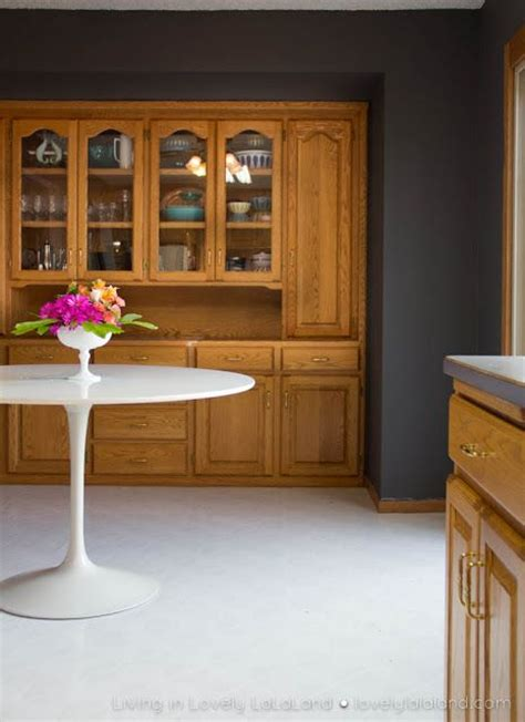 wall color for oak cabinets wall color to off set honey oak cabinet tones south hill