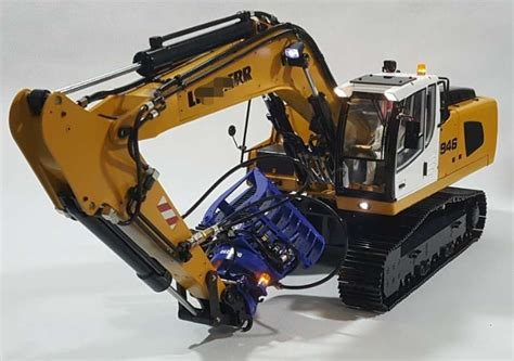 rc hydraulic excavator model   ride  cars  toys hobbies