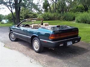 Chrysler Le Baron Cabriolet : 1995 chrysler le baron information and photos zombiedrive ~ Medecine-chirurgie-esthetiques.com Avis de Voitures