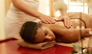 Entspannende Massage Im Wellness Akari Spa I Panorama