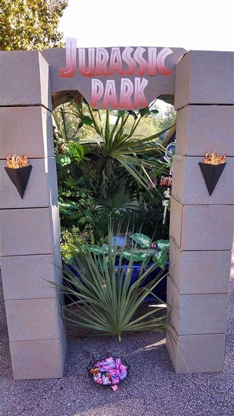 Jurassic Park Decorations - 371 best images about trunk or treating ideas on