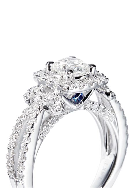 vera wang love ribbons and bows diamond and white gold diamond engagement ring in metallic lyst