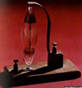 La Le ã Incandescence De Edison by Thomas Edison A Invent 233 L Oule 233 Lectrique