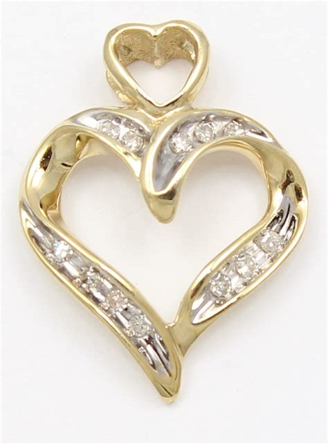 10k Yellow Gold Diamond Heart Necklace Pendant  Ebay. Bunny Necklace. Clearance Engagement Rings. Classic Round Engagement Rings. Aquamarine Stone Pendant. Simple Band Rings. Msu Rings. Truck Bands. Infinity Symbol Bracelet