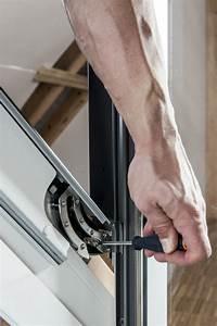 Velux Fenster Aushängen : anleitung velux dachfenster selber einbauen ~ Frokenaadalensverden.com Haus und Dekorationen