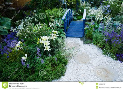 garden landscape royalty free stock images image 32549179