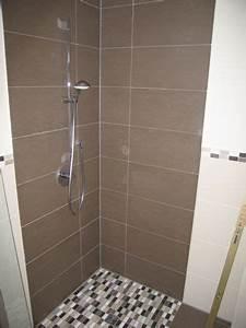 Fliesen Für Kleine Bäder : dusche fliesen neues bad kleine b der creme materialien wird dazu beitragen die oberfl che ~ Bigdaddyawards.com Haus und Dekorationen
