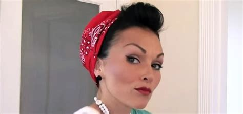 How To Style & Put Your Hair In A Bandana Retro Pin-up