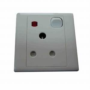 CK 15A SWITCHED SOCKET W NEON CK2035S