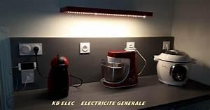 installer une machine a laver maison design bahbecom With carrelage adhesif salle de bain avec ampoule led economie energie