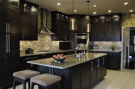 Sleek Modern Kitchen Design With Gourmet Stove X Unique