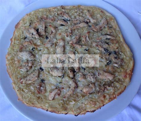 les secrets de cuisine par lalla latifa pizza l 233 g 232 re aux oignons et au poulet
