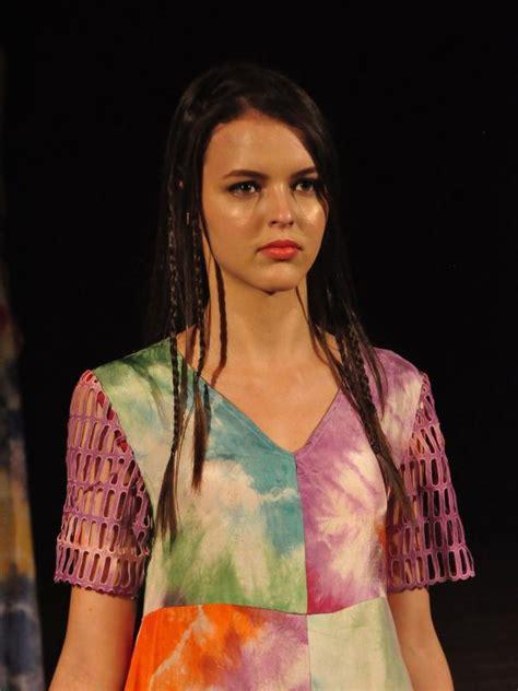 Baju Bodo Modern Modifikasi by Ketika Baju Bodo Disulap Jadi Busana Modern Dan Edgy