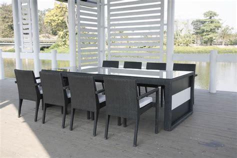 ensemble table et chaise exterieur dining chaises et table à manger extérieur kähres
