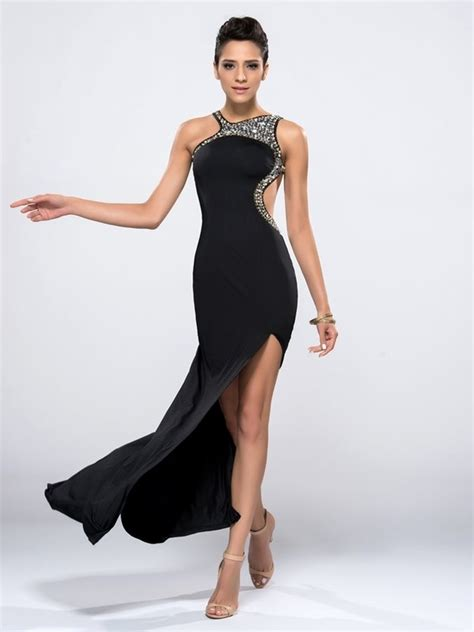 good dresses  wear   bond theme party