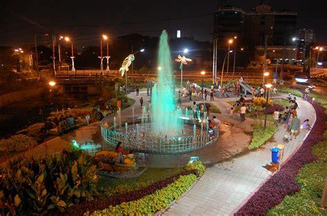 tempat wisata  surabaya  wajib dikunjungi