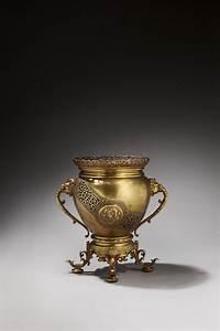 Cache Pot Doré : compagnie des bronzes de bruxelles cache pot en bronze dor mis en vente lors de la ~ Teatrodelosmanantiales.com Idées de Décoration
