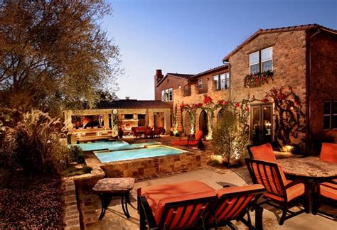 ideas   slope tuscan style backyard landscaping pictures vulvar
