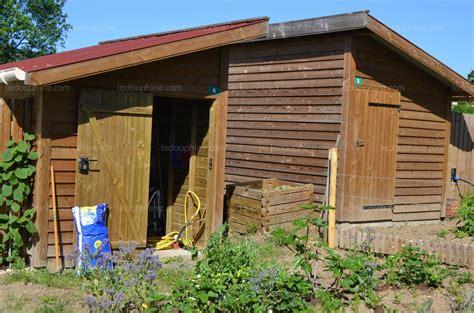 d 233 co cabane fond jardin aulnay sous bois 33 cabane