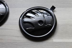 Skoda Logo Schwarz : privatverkauf 2x original skoda emblem in lc9p monte ~ Jslefanu.com Haus und Dekorationen