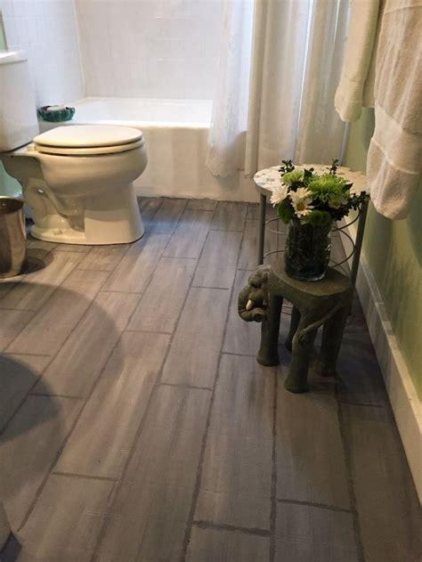 Tiling A Bathroom Floor Linoleum by Best 25 Linoleum Flooring Ideas On Vinyl