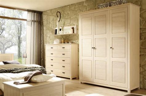 modeles armoires chambres coucher vente d 39 armoires pour chambre coucher en bois de qualit