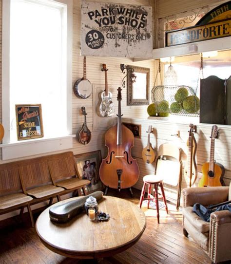 1000+ Ideas About Music Rooms On Pinterest  Guitar Room
