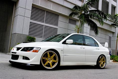 white mitsubishi lancer with black rims white evo with gold or black rims page 2 evolutionm