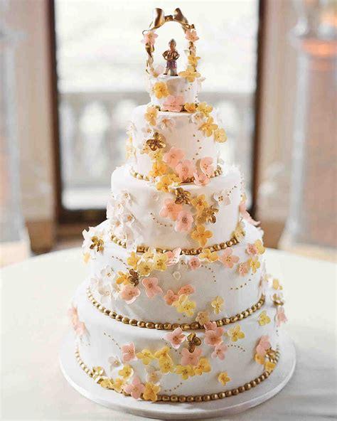 wedding cakes  sugar flowers   stunningly