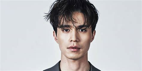 Lee Dong Wook was repeatedly rejected by writer of 'Goblin