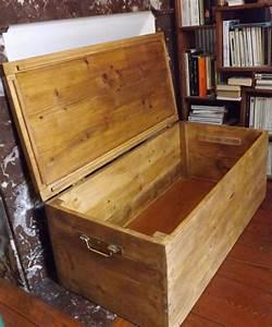 Malle En Bois : coffre malle en bois de palettes recycl es meubles et ~ Melissatoandfro.com Idées de Décoration