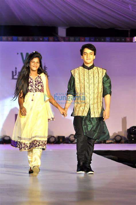 Zayed Khan & Lisa Ray walk for Welingkar's tribute fashion ...