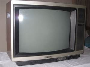 Sony Trinitron 21 Color Television