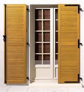 Volet maison en bois isolants et modele persienne cote for Volet porte fenetre persienne bois