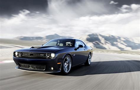 hellcat challenger the dodge challenger srt hellcat w supercharged v8 wheels