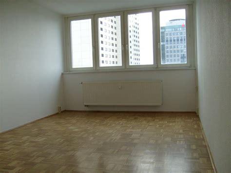 Zimmer-wohnung, 50 Qm, Zentrale Lage, Ganz Oben