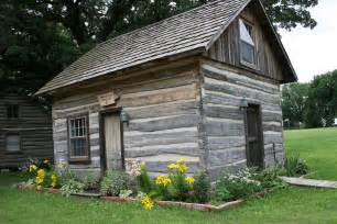 Inspiring Cabin Like Houses Photo by Build Log Cabin Like Pioneers Mpfmpf Almirah Beds