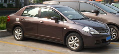 File:Nissan Tiida C11 sedan China 2012-04-16.jpg ...