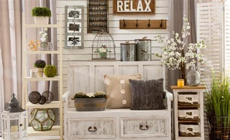 Decorate your entire home with the rustic farmhouse style you love. Simple Farmhouse Wall Decor Ideas 2018 | Decor Or Design