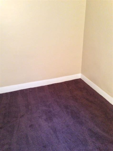 what colors go with burgundy carpet my web value