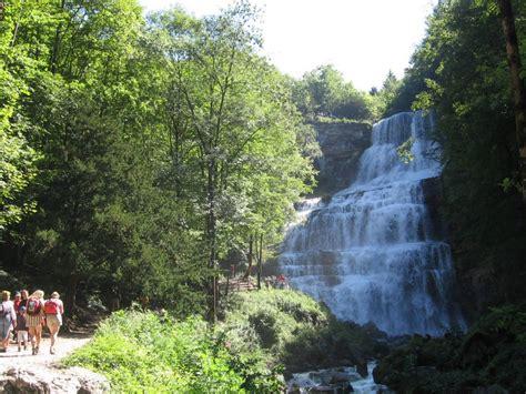 d 233 couvrez les nombreuses cascades du jura pour des randonn 233 es en pleine nature